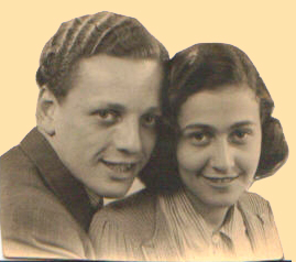 In de documentaire Westerbork Girl zoekt Hannelore naar een oude foto waarop ze samen met Rob is vereeuwigd, ze kan hem maar niet vinden... Lang na de montage vond ze hem alsnog, tadaaa...!