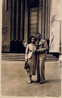 Met haar geliefde, de slager Rene Lathiere, in Parijs
